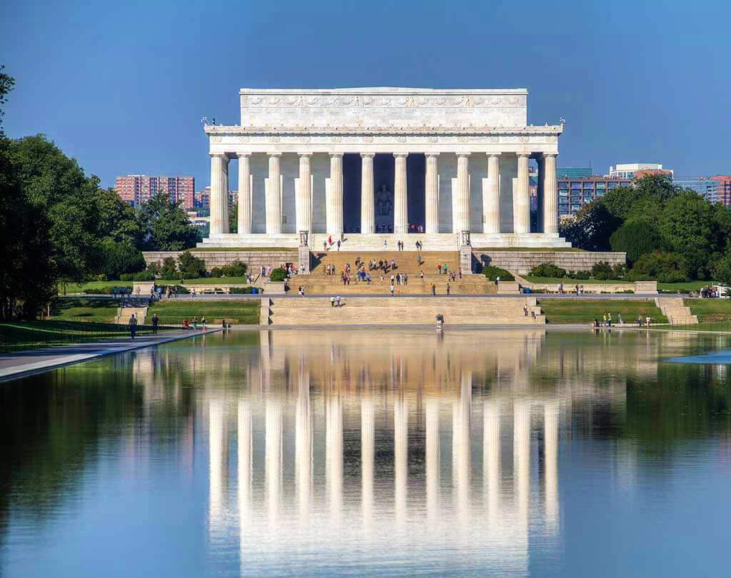 Lincoln Memorial, Washington DC, United States - by - Chris Favero / Flickr.com