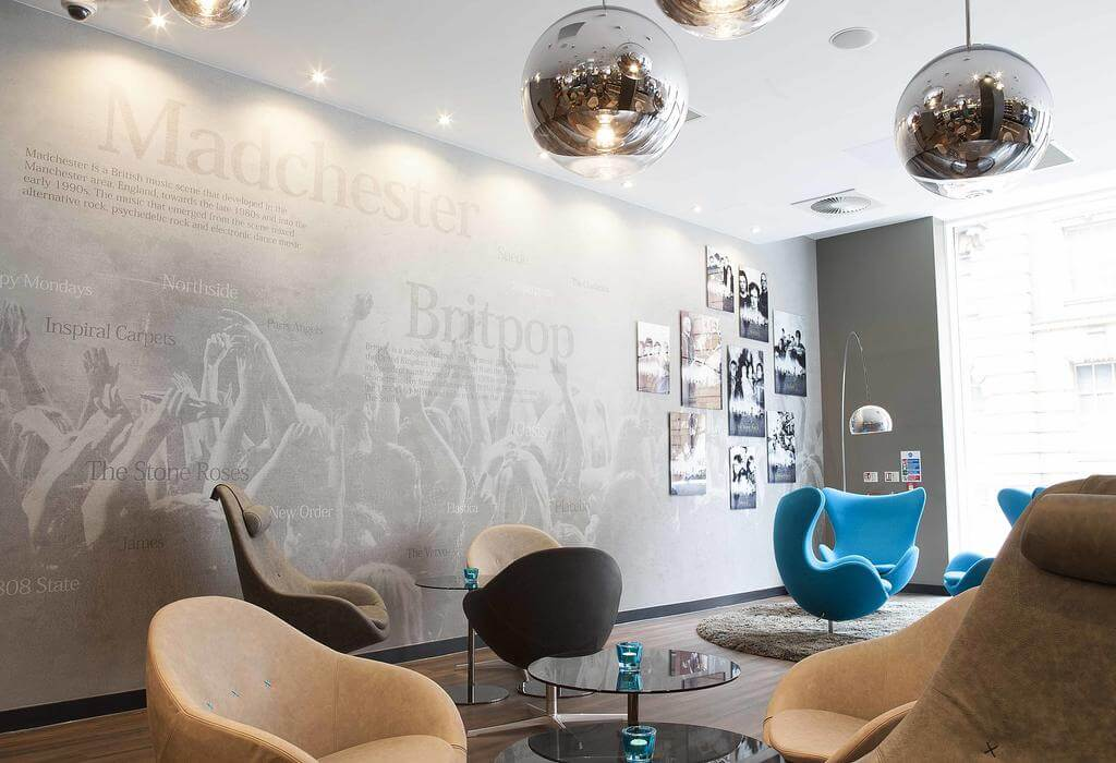 Motel One Manchester-Piccadilly - by Motel One - Booking.com