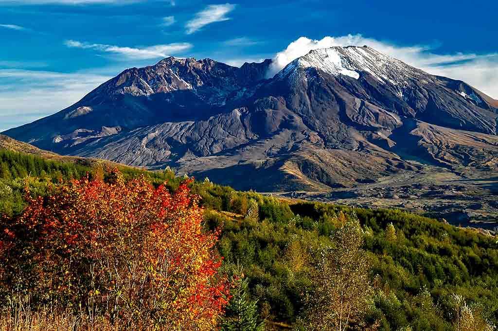 Mount Saint Helens National Volcanic Monument, Washington State - by David Mark-12019 / Pixabay.com