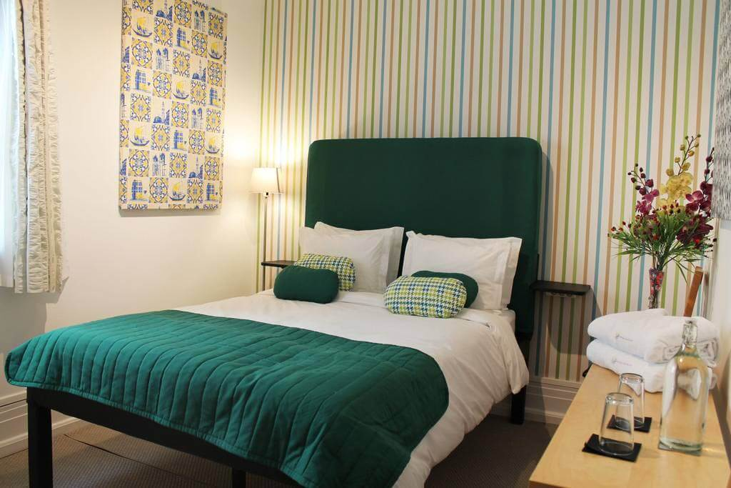 My Rainbow Rooms Gay Men's Guest House, Lisbon - by My Rainbow Rooms Gay Men's Guest House/Booking.com