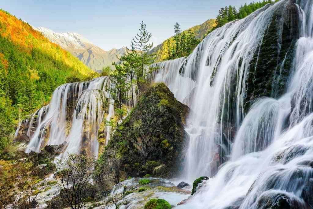 Pearl Shoals Waterfall, China by Efired/Shutterstock