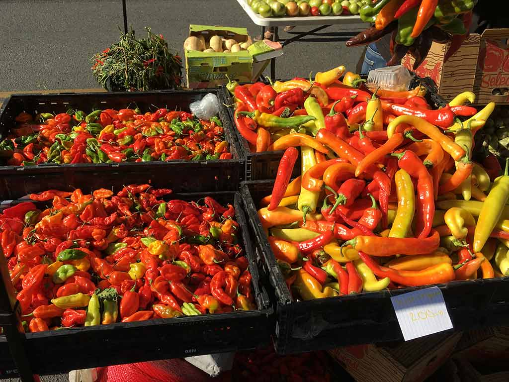 Peppers At The Farmer's Market, Yakima, Washington State - by Jeff Keyzer / Flickr.com