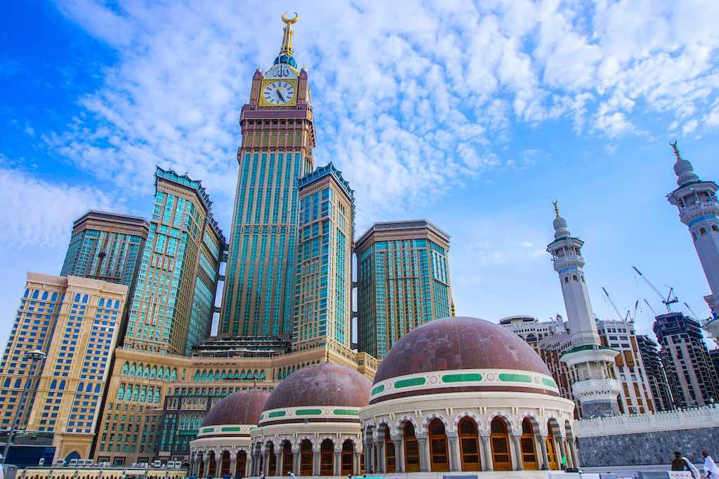 Abraj Al Bait (Royal Clock Tower Mecca) in Mecca, Saudi Arabia - by kiraziku2u / Shutterstock.com