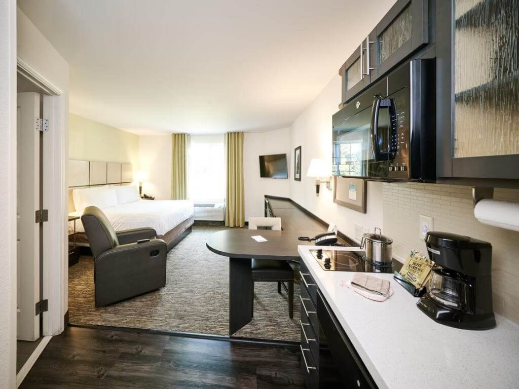 Candlewood Suites Houston / Booking.com