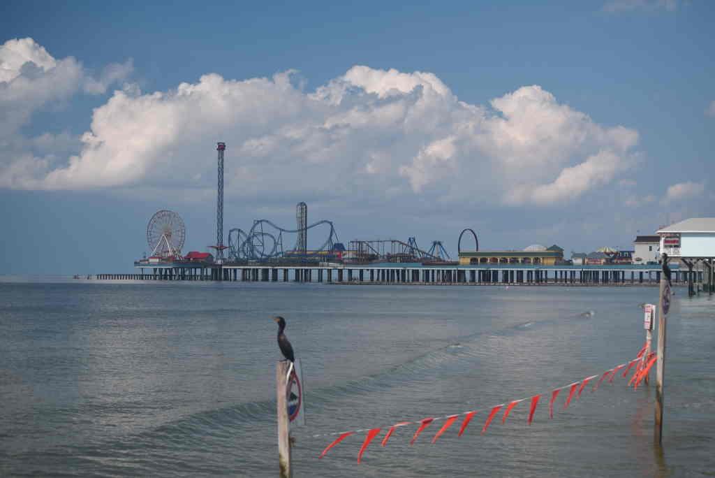Galveston's Pleasure Pier, Galveston - by Tim Heyden/flickr.com