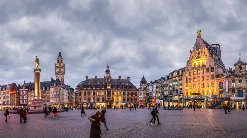Grand Place, Lille - by Eric Gatineau / Flickr.com