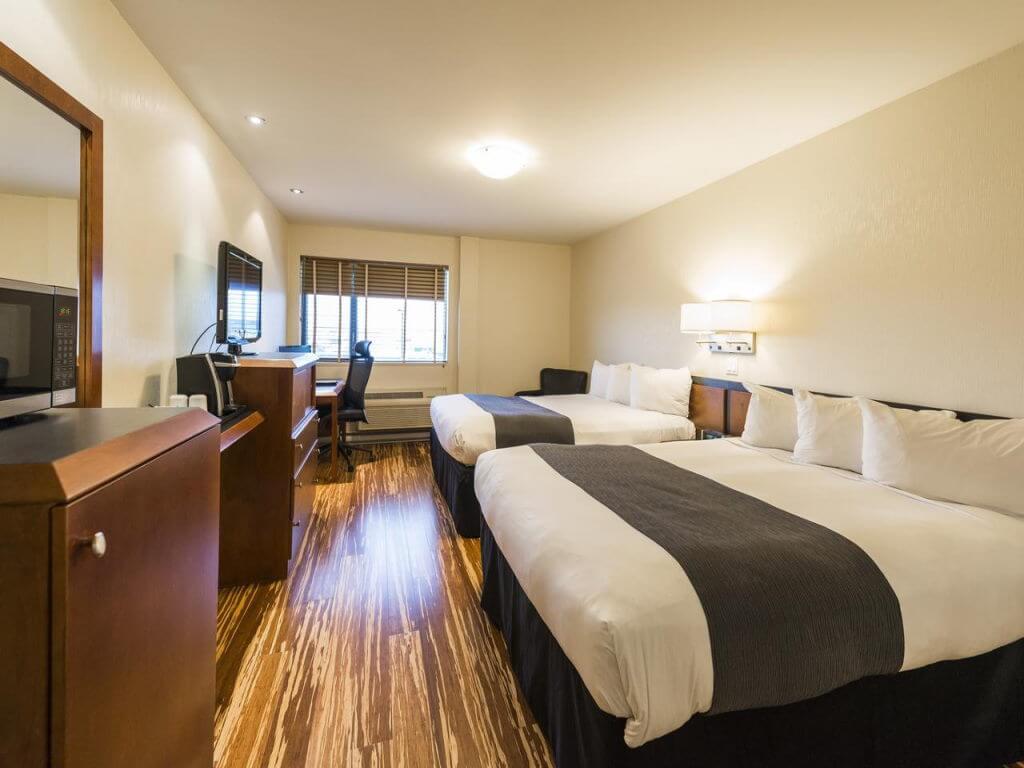 Hôtel & Suites Le Dauphin Québec / booking.com
