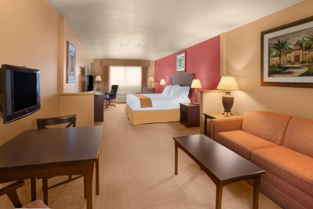 Holiday Inn Express Hotel & Suites Yuma - by Holiday Inn, Booking.com