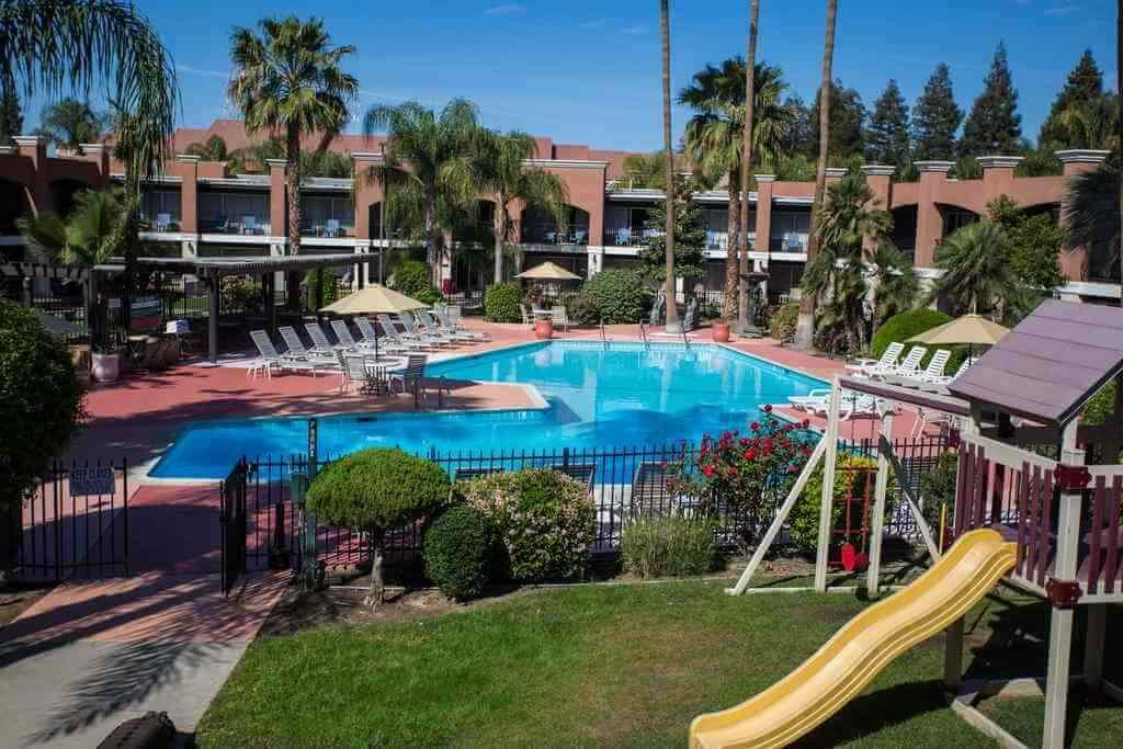 Hotel Rosedale, Bakersfield, California, USA -by Hotel Rosedale/Booking.com