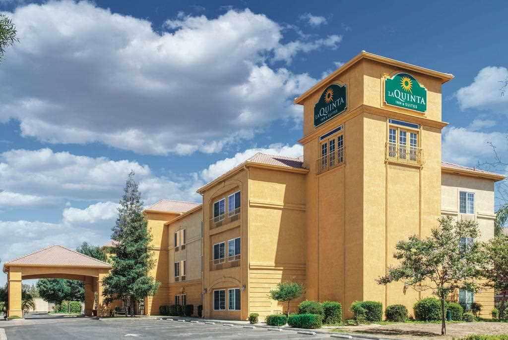La Quinta Inn & Suites, Bakersfield, California, USA - by La Quinta Inn/Booking.com