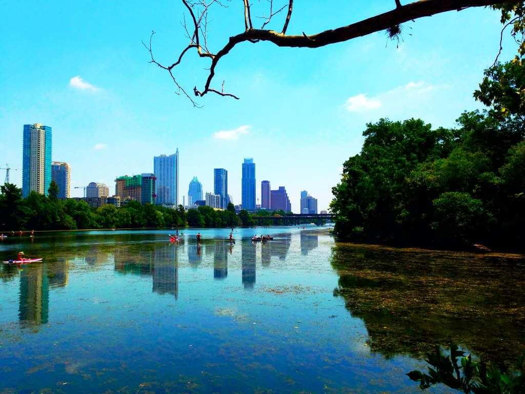 Lady Bird Lake, Austin - by Cesar Garza/flickr.com