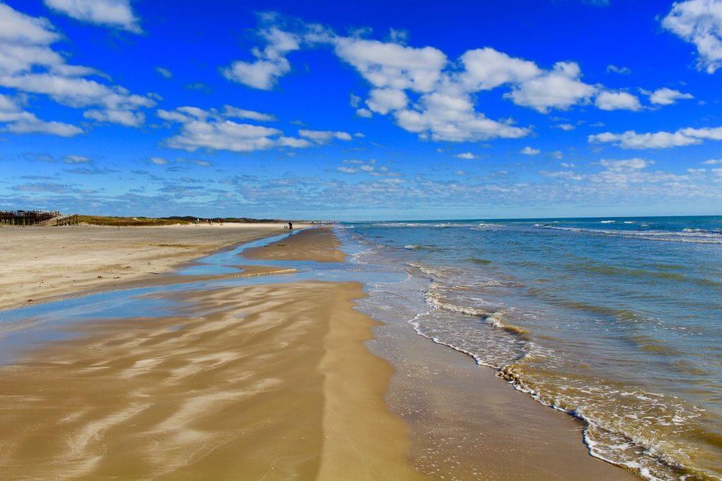 Padre Island National Seashore, Texas - by Blll Harris/flickr.com