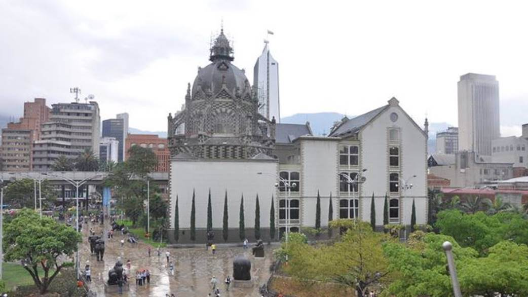 Palace of the Culture Rafael Uribe, Medellin by Jorge Láscar Flickr