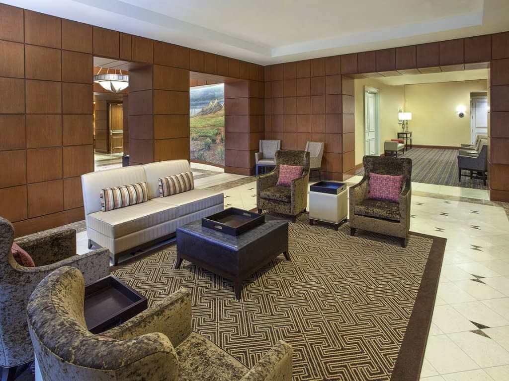 Sheraton Suites Houston Near The Galleria / Booking.com