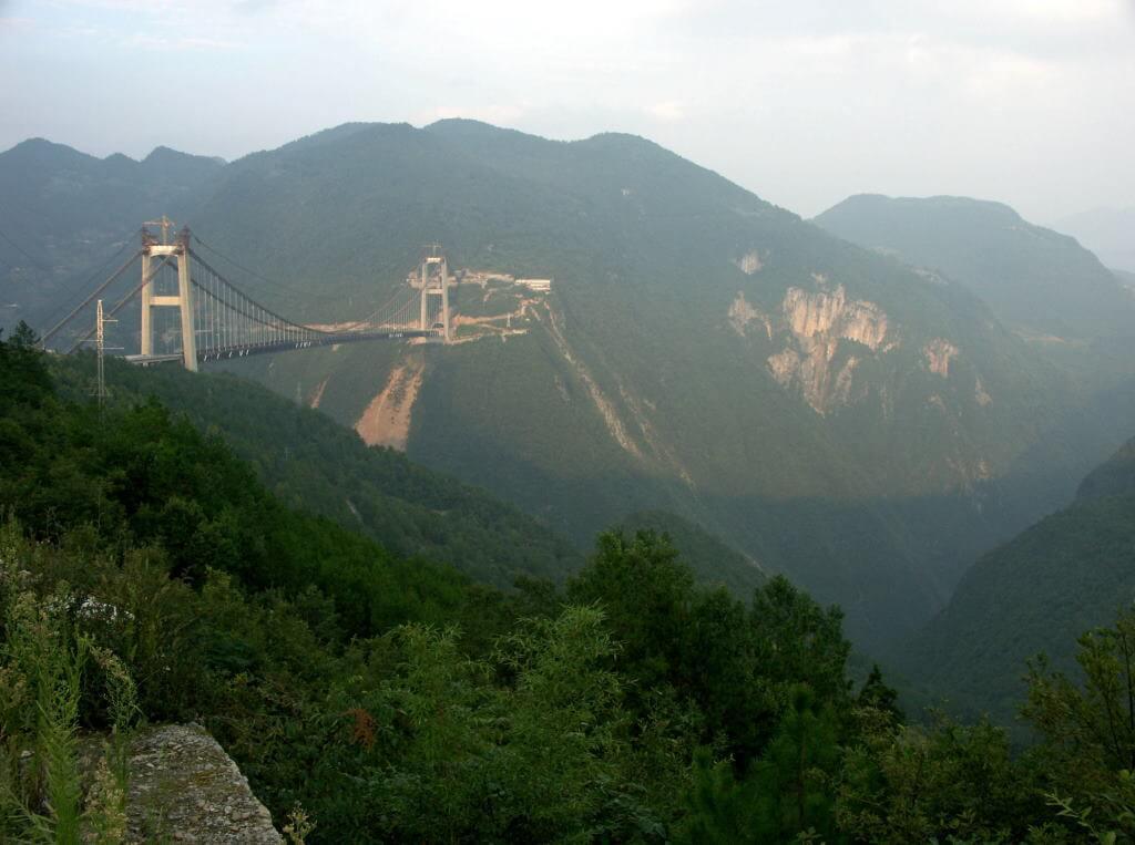 Sidu River Bridge, China - by Eric Sakowski / Wikipedia