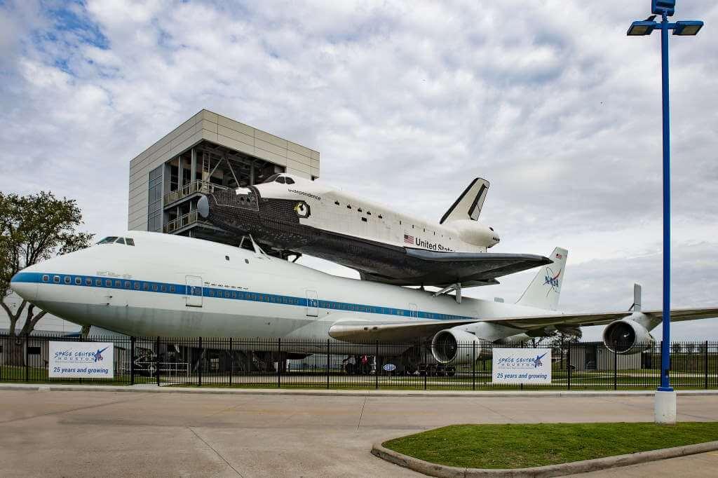 Space Center Houston, Houston - by Jürgen Freymann/Flickr.com