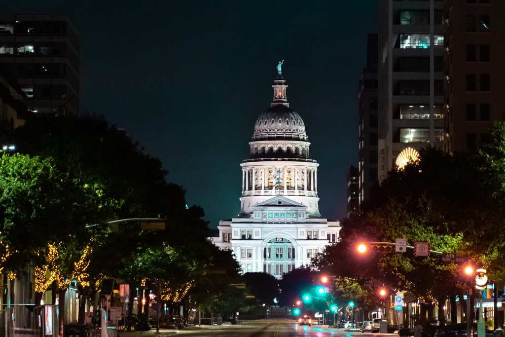 Texas State Capitol Building, Austin - by Jonathan Cutrer/flickr.com