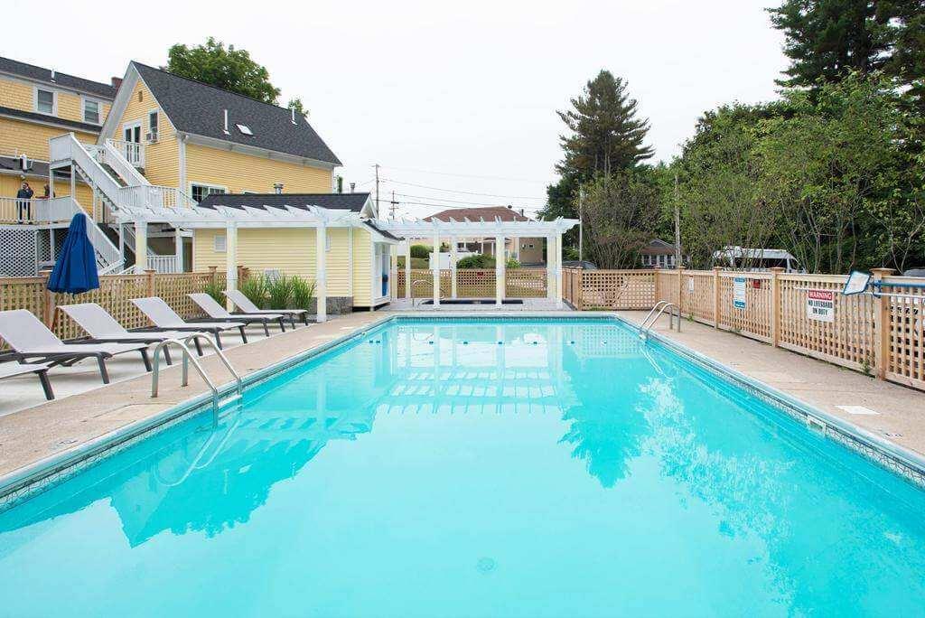 Admiral's Inn Resort, Ogunquit - Booking.com