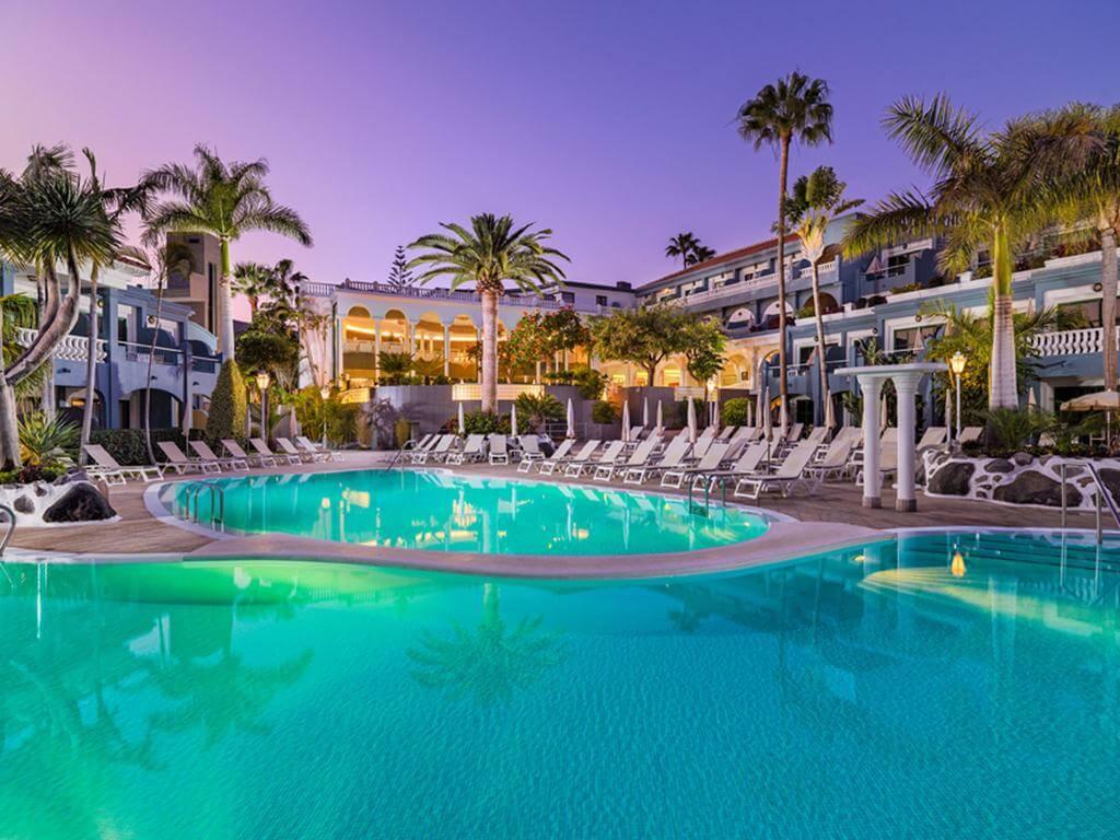 Adrián Hoteles Colón Guanahaní Tenerife - by booking.com