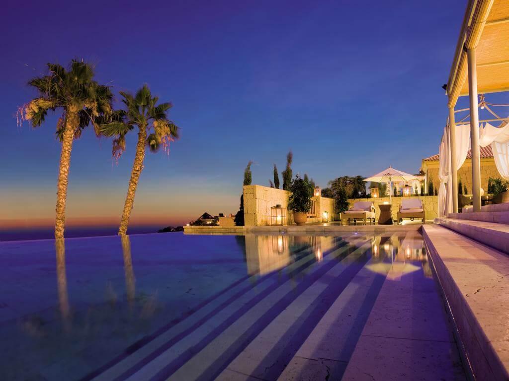 Bahia del Duque Tenerife - by booking.com