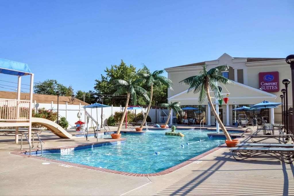Comfort Suites Ocean City, MD - by booking.com