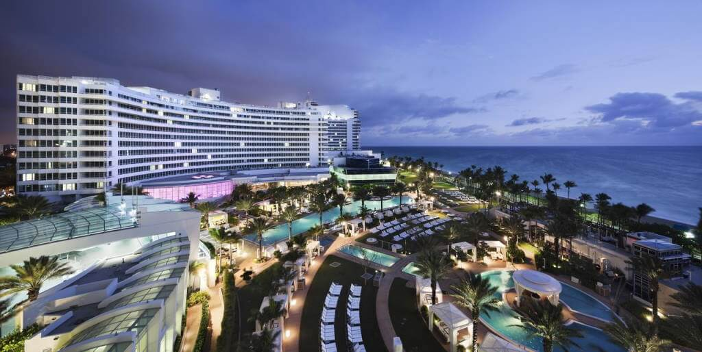 Fontainebleau Miami Beach, Miami - by booking.com