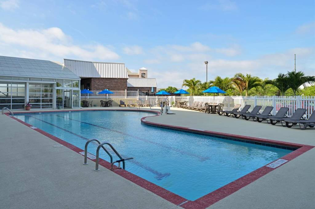 Holiday Inn Express & Suites - Ocean City, MD - by booking.com