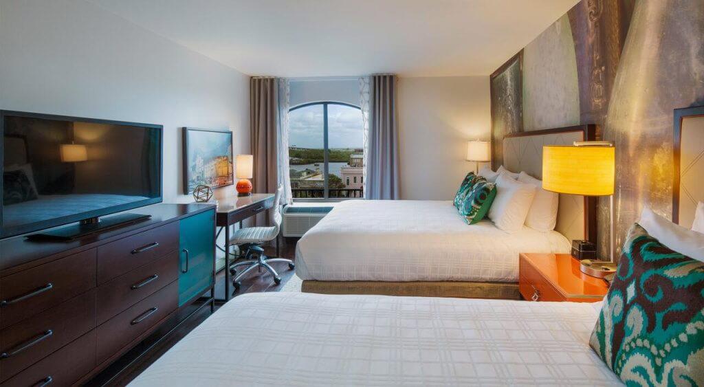 Hotel Indigo Savannah Historic District, Savannah, GA - by booking.com