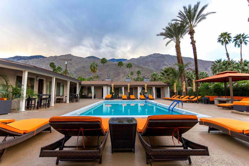 Little Paradise Hotel, Palm Springs - by Booking.com