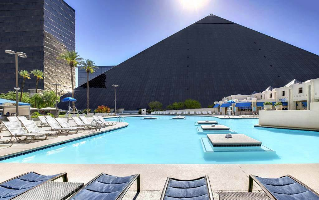 Luxor Hotel, Las Vegas - by Booking.com