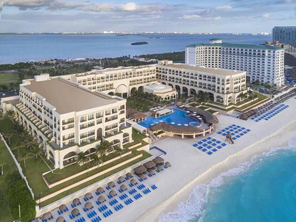 Marriott Cancun Resort, Cancun - by booking.com