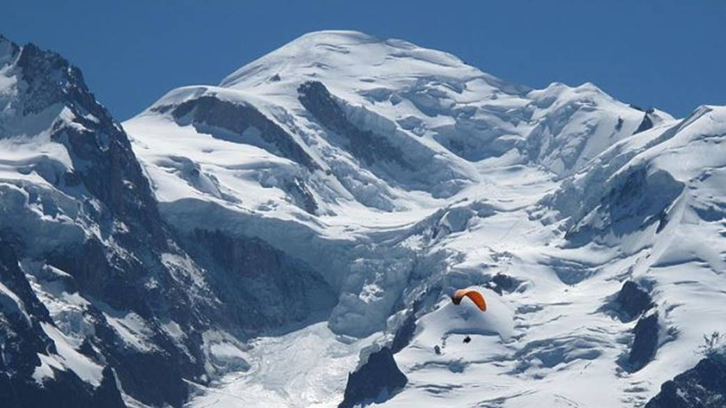 Mont Blanc mountain European Alps - by - Tangopaso Wikimedia