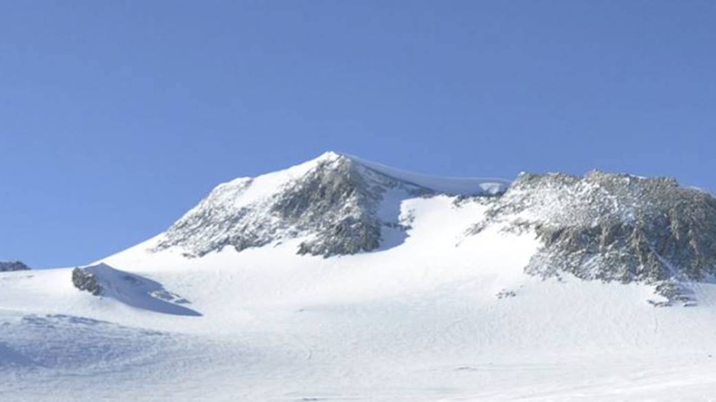 Mount Vinson or Vinson Massif by Christian Stangl Flickr