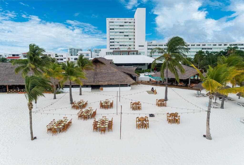 Presidente InterContinental Cancun Resort, Cancun - by booking.com
