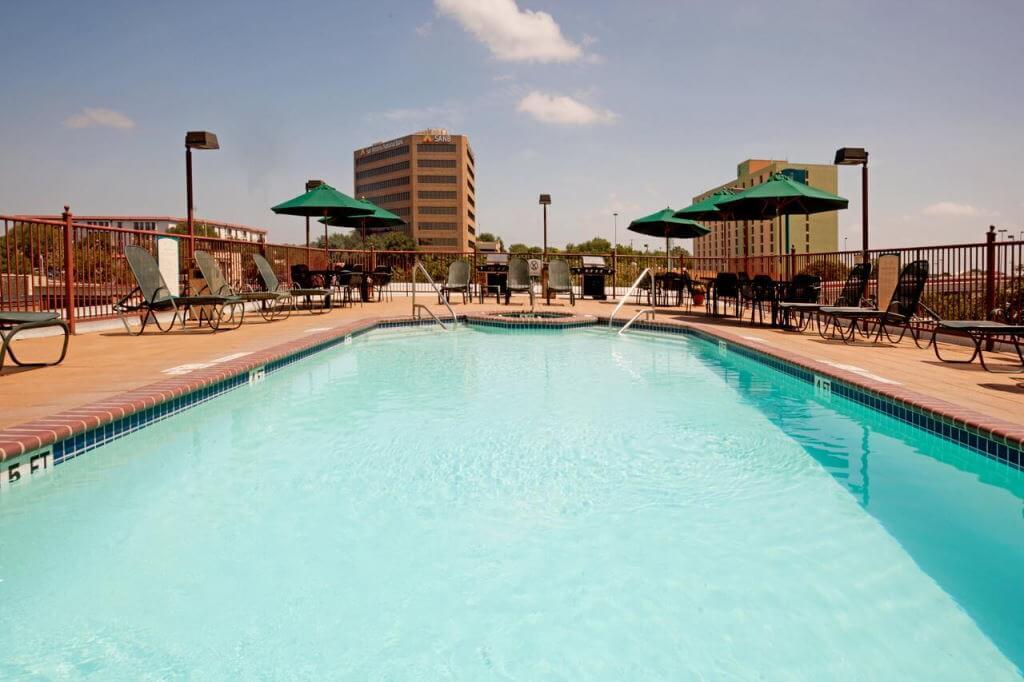 Staybridge Suites San Antonio Airport, San Antonio, Texas - by booking.com