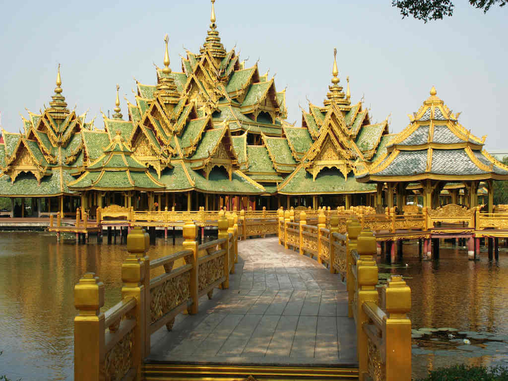 Pavilion of the Enlightened in Muang Boran Ancient City – by lyonka_l_Shutterstock.com