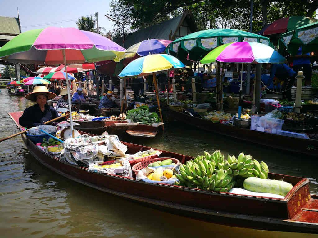 Tha Kha floating market, Samut Songkhram – by Apik_Shutterstock.com
