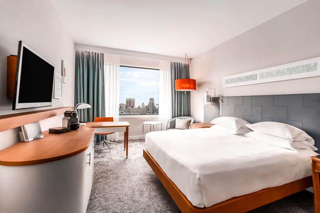 Hilton Rotterdam - by Booking