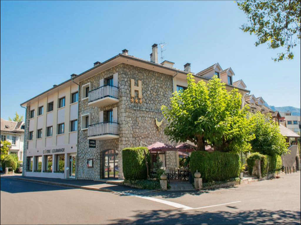 Hotel Catalpa, Annecy - by Booking.com