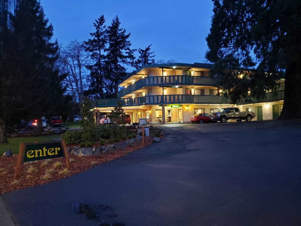 Robin Hood Inn and Suites - by booking.com