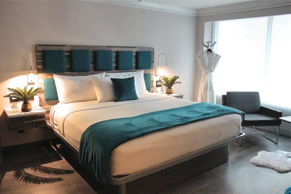 Hotel Le Bleu, Brooklyn, New York - Booking.com