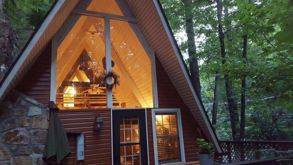 Buckberry Creek Chalet, Gatlinburg - by Booking