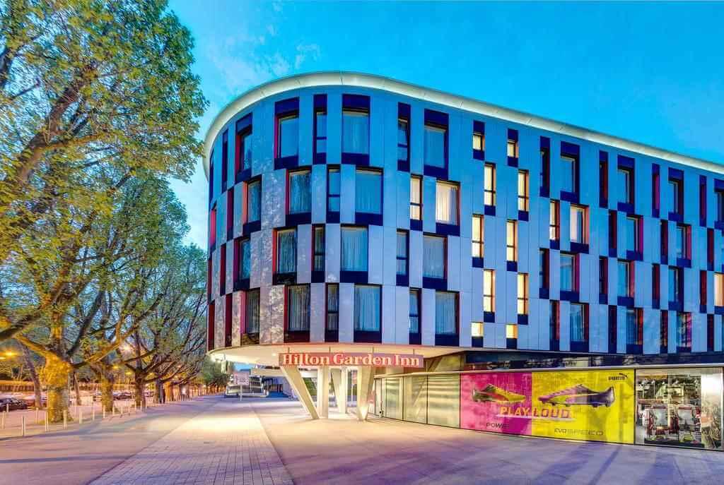 Hilton Garden Inn Stuttgart NeckarPark Hotel - by Booking