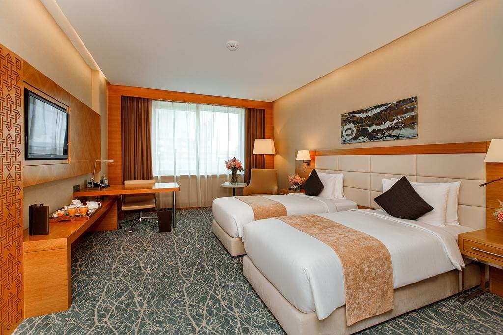 Holiday Inn Baku - by Booking