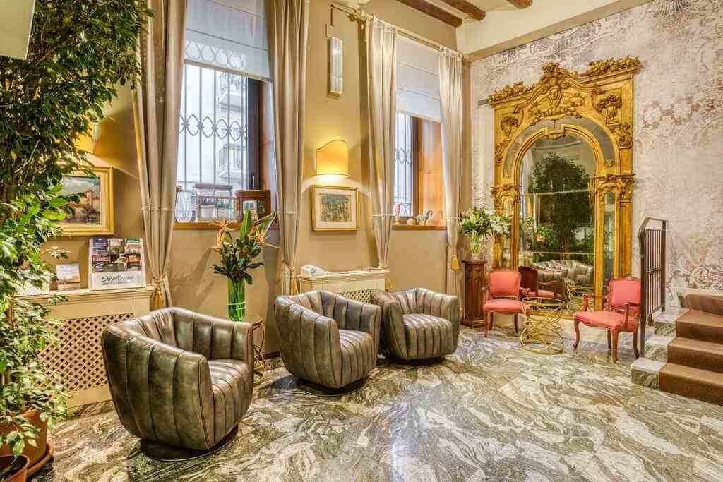 Hotel Scalzi, Verona, Italy - by Booking
