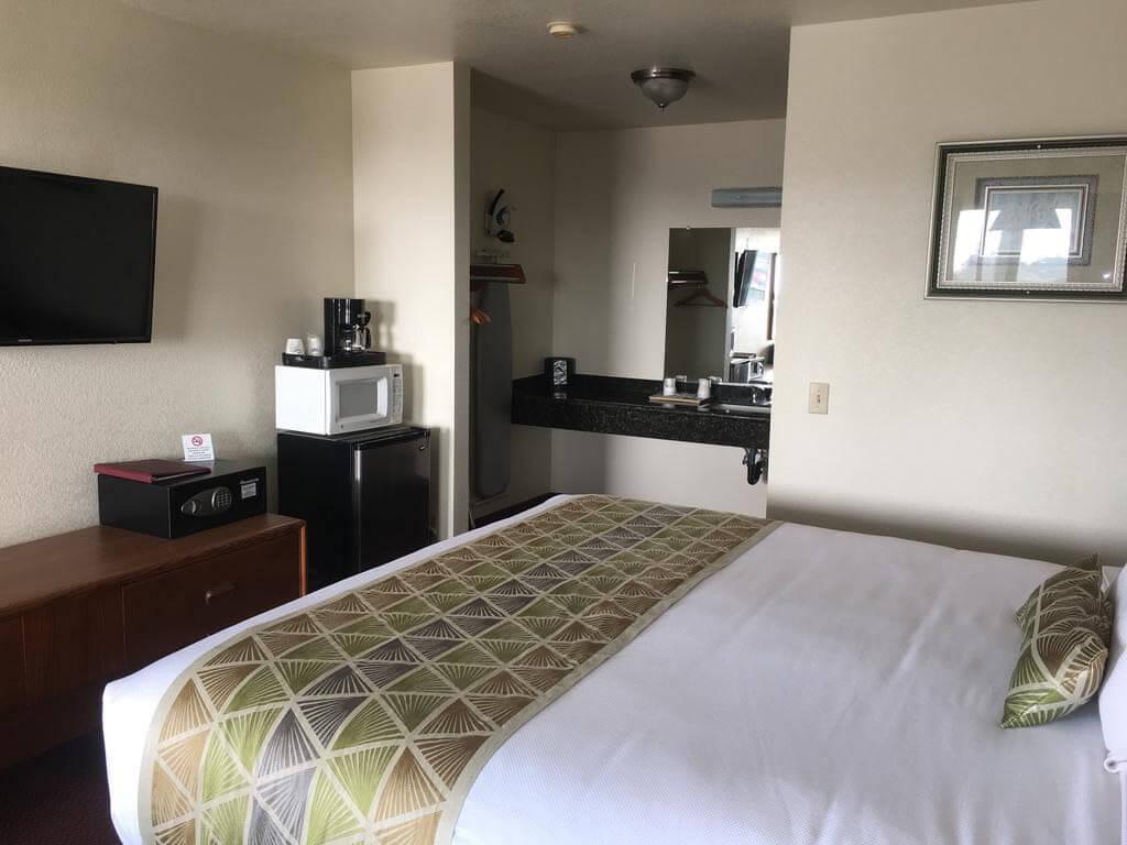 Westward Inn - by Booking