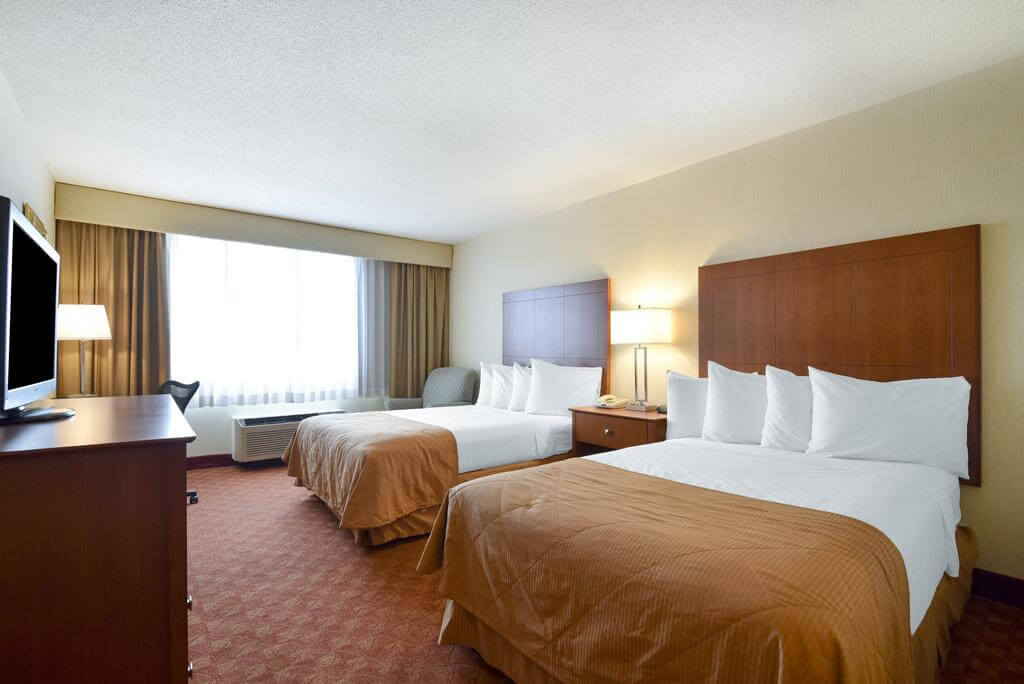 Clarion Hotel Airport Portland - by Booking