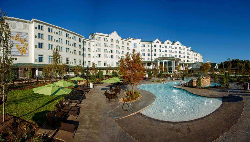 Dollywood's DreamMore Resort, Pigeon Forge - by Booking