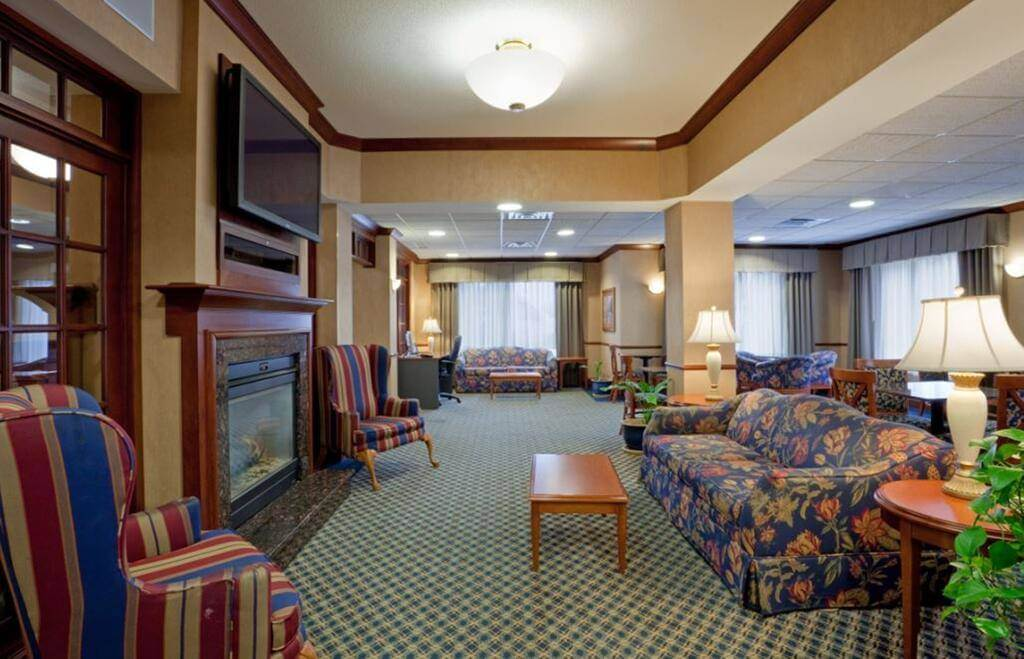 Holiday Inn Express Hotel & Suites Manchester New Hampshire Airport - by Booking