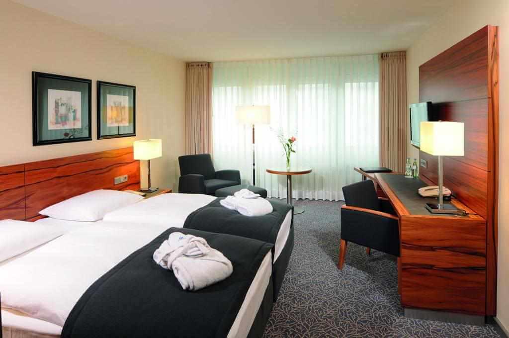Maritim Hotel Munchen - by Booking